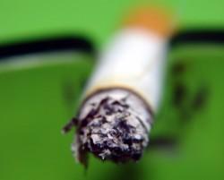 zigarette_in_aschenbecher_grn