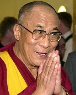 dalai_lama_folded_hands