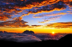 sunrise_mountains_clouds