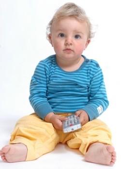 kleinkind vor tv