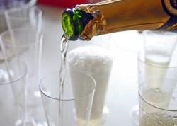 champagner_einfuellen