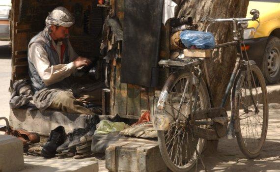 afghanistan_schuhputzer