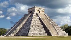 maya_pyramid_chichen_itza_250