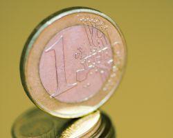 1 euro stueck auf stapel
