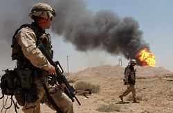 irak us soldiers burning oil